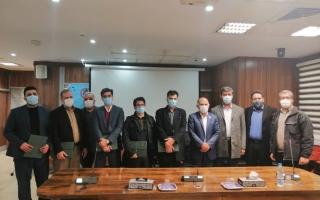 تجلیل از مدیرعامل شرکت مدیریت تولید برق شهید منتظر قائم