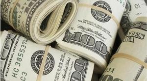 قیمت دلار پنجشنبه ٢۷ خرداد ١۴٠٠ به ٢٣ هزار و۶۲۷ تومان رسید