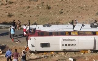 ۲فوتی و ۲۱ مصدوم در حادثه واژگونی اتوبوس خبرنگاران در نقده + اسامی