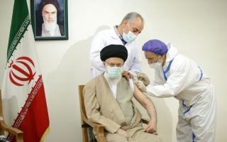 رهبر معظم انقلاب دُز اول واکسن کوو ایران برکت را دریافت کردند
