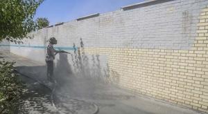 پاکسازی دیوارهای شهر با تکنیک سندبلاست
